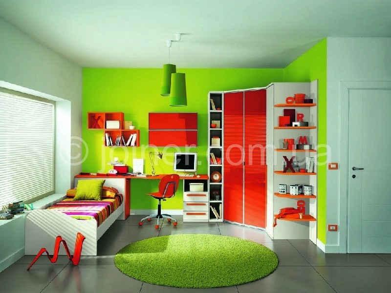Дизайн детской квадратной комнаты