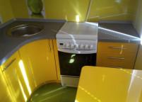 Кухня желтая радиус фас - 2